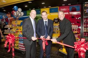 Craig Sergeant, GM International Travel Retail Mars; DFA President Leon Falic, and Alan Eley, VP- JFK T 7