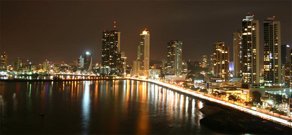 Panama-skyline-night