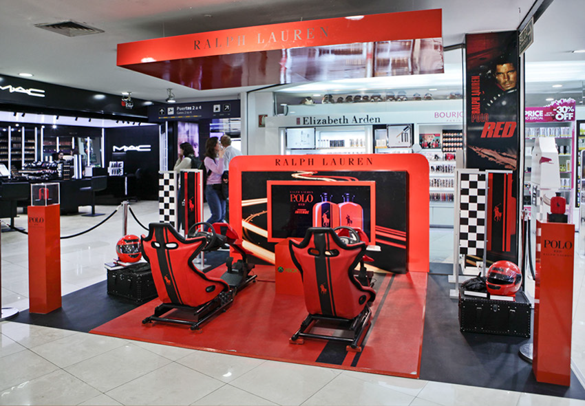 Passengers at participating airports waited in line to experience the Forza motorsport 5 Xbox racing video game at the Polo Red promotion, shown above in Ezeiza International Airport in Buenos Aires.