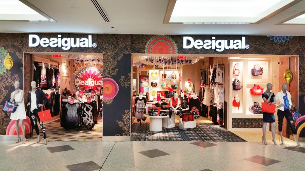 Desigual NY La Guardia store (1)