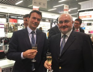 Dufry Divisional Commercial Director, Latin America & Caribbean Cyrille Beauviche (left), and Oscar Garcia Pedrosa, DCOO – Interbaires-Dufry