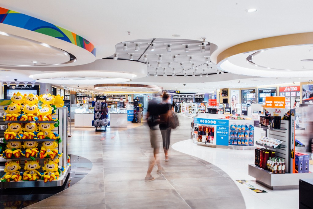 One of Dufry's new walk-through concept travel retail stores at Rio de Janeiro's RIOgaleão International Airport. Crédito_Divulgação