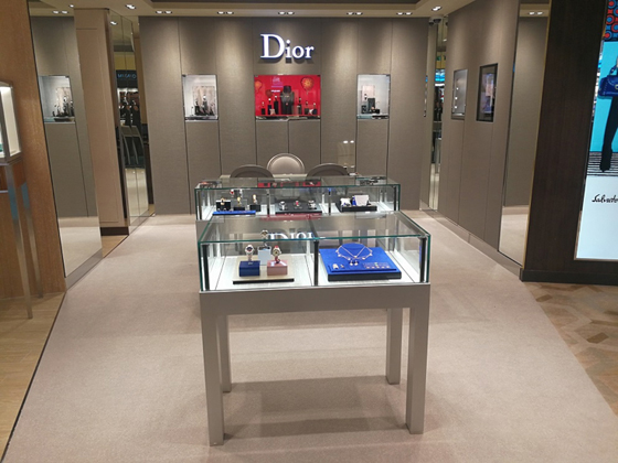 Dior Jewelry and Watches boutique, World Dream – global marine debut of a Dior Jewelry and Watches boutique.